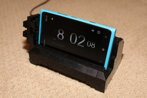 Nokia Lumia 900 stand using Lego Bricks by Baris Eris